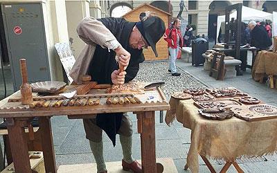 Antichi mestieri - intaglio - Spettacoli medioevali