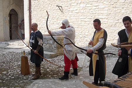 Spettacoli medioevali: gli arcieri