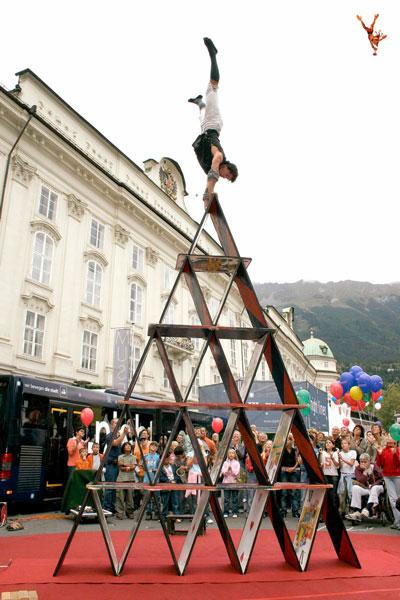 Funambolo in piazza